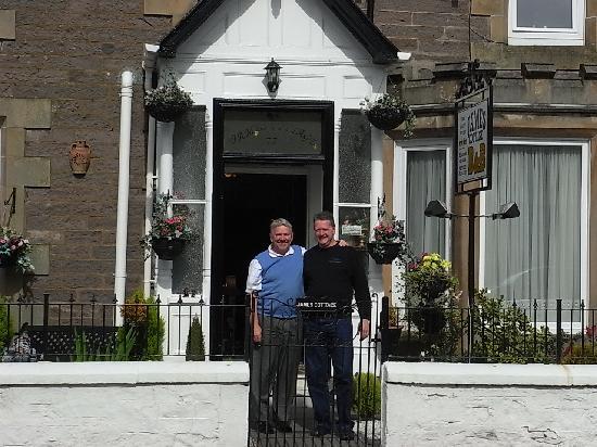 James Cottage B&B: Michael & Klaus in front of James Cottage