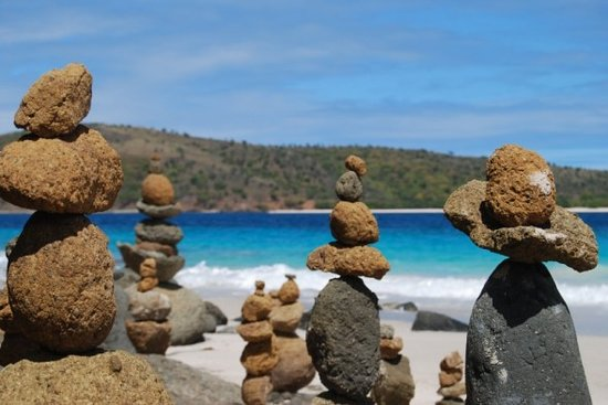 Кулебра, Пуэрто-Рико: Rocks on Zoni Beach, Culebra