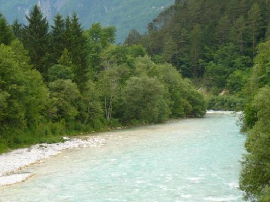 Hotel Kanin: soca river