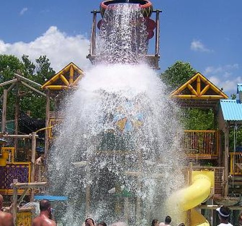 Holiday World % Splashin' Safari: WOoosh! lol