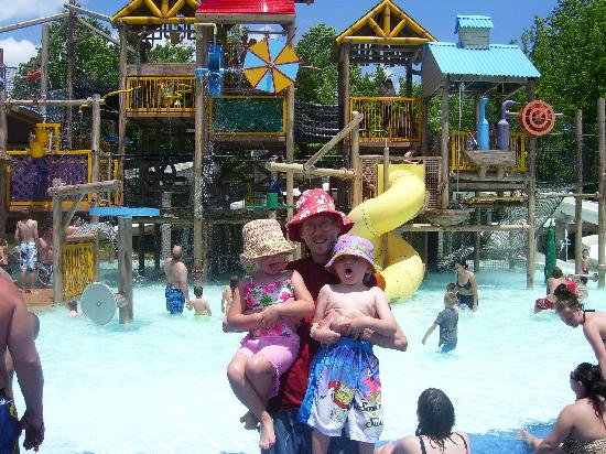 Holiday World & Splashin' Safari: Happy Joyous times!