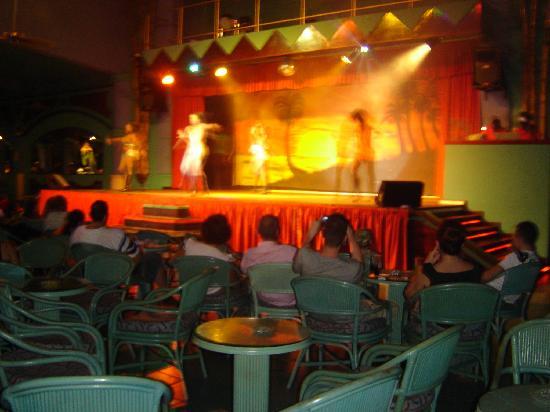Hotel Riu Bambu: show nocturno