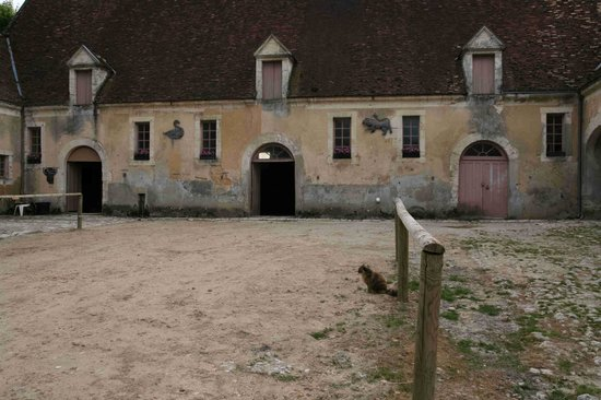 Condeau, France : Stable block