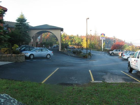 Best Western Monticello: hotel entrance