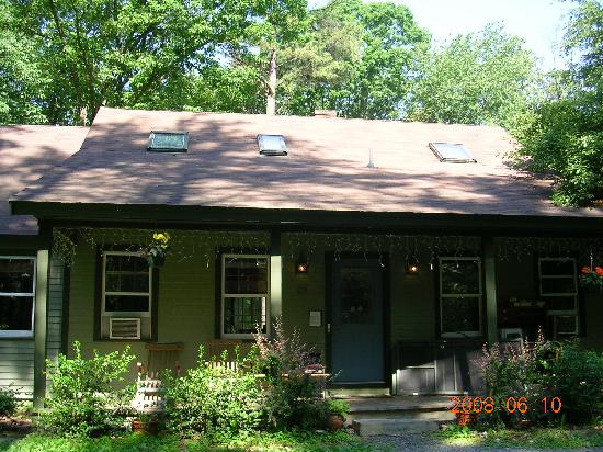Whispering Pines Bed & Breakfast: Whispering Pines