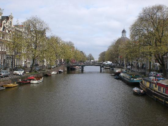 Amsterdam Cribs B&B: Nearby Canal
