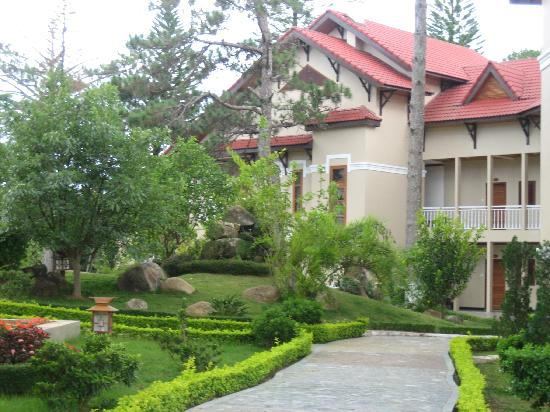 Hoang Anh - Dat Xanh Da Lat Resort: One of the many cottages.