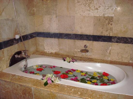 Somkiet Buri Resort: bathroom