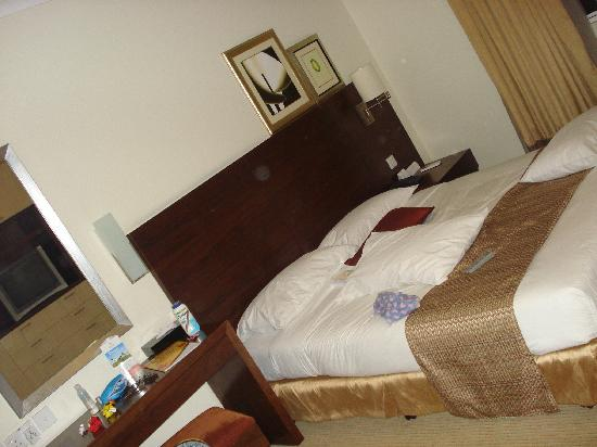 Somerset Chancellor Court: Bedroom
