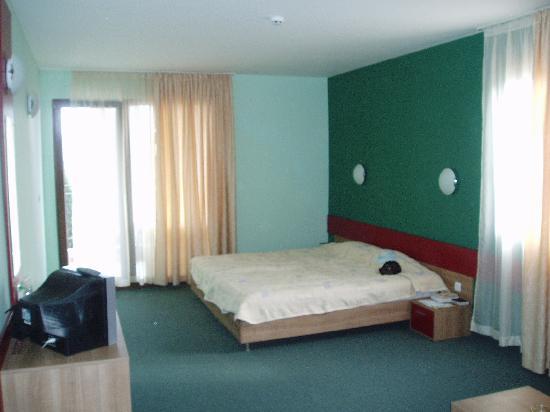 Kiparisite Hotel: bedroom
