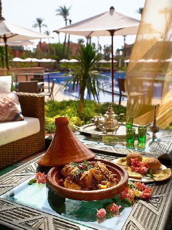 قرية بالميراي السكنية بمراكش: tajine a la marocaine