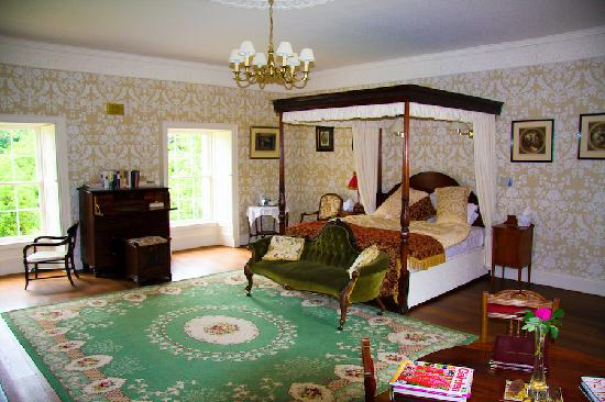 Castlecoote House: Percy French Suite