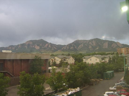 Homewood Suites by Hilton Boulder: View from bedroom window