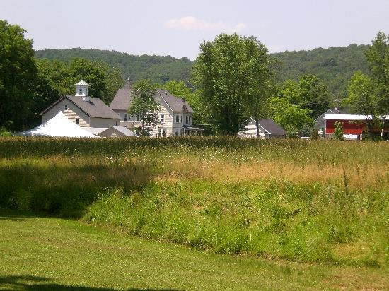 The Raritan Inn at Middle Valley: The Raritan Inn & its surroundings