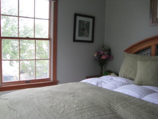 Inn at Rivers Edge Marina: lovely room