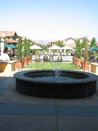 The Lodge at Sonoma Renaissance Resort & Spa: Fountain