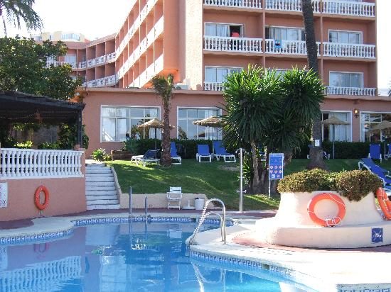 Hotel Best Siroco: Pool looking to the restaurant wing