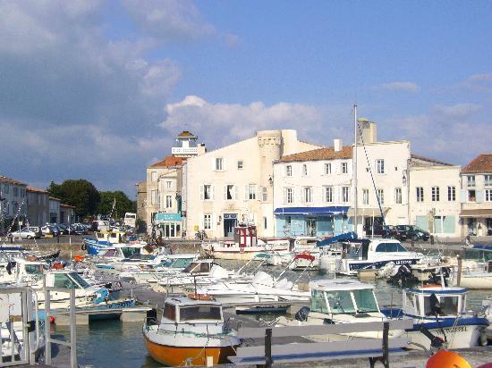Hotel de Toiras: l'hotel et le port