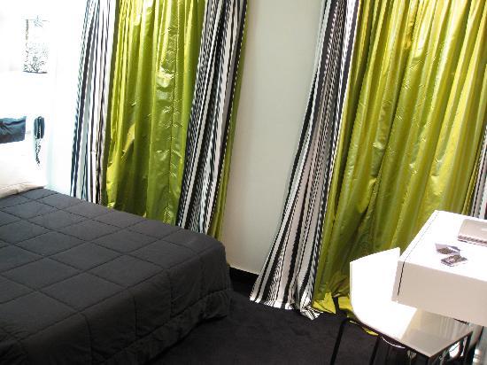 Hotel Standard Design: Room 205