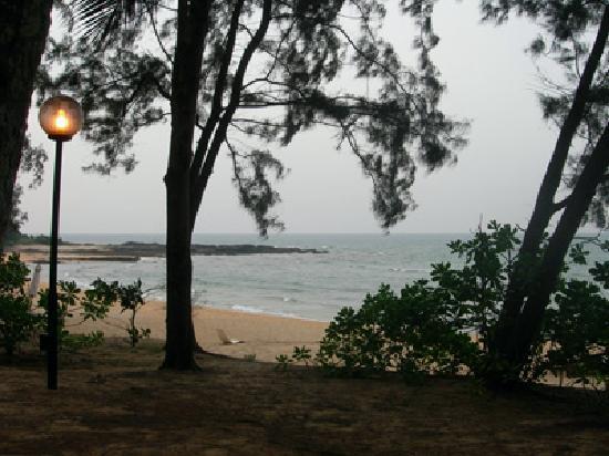 Tanjong Jara Resort: dusky beach