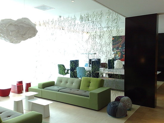 citizenM Schiphol Airport: The Lobby