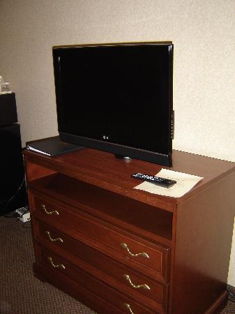 Quality Inn Exit 4: Flat Screen TV
