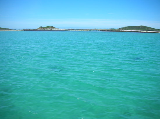 Isles of Scilly, UK : Across the turquoise water to Bryher