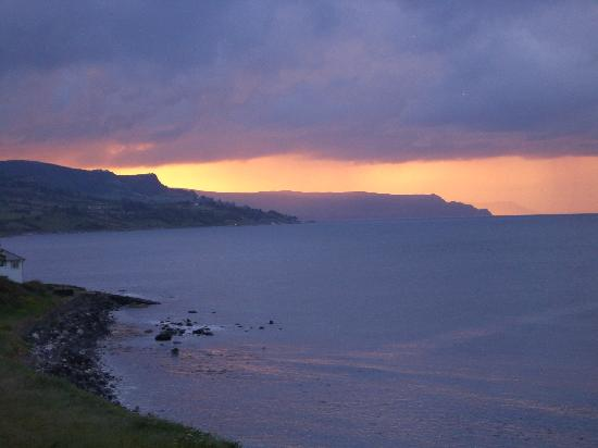 Ballygally, UK: Sunset from Antrim suite window