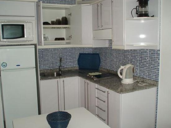 Portonovo Apartments: Kitchen has been modernised since our last visit