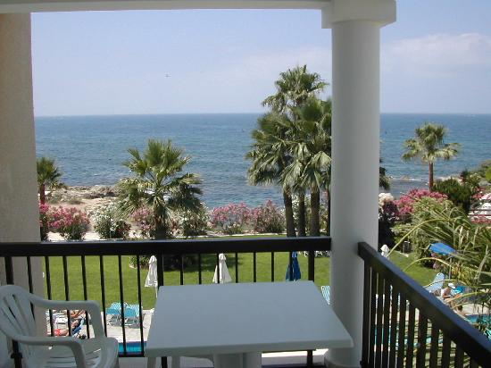 Rododafni Beach Holiday Apartments & Villas: Rododafni - from the patio
