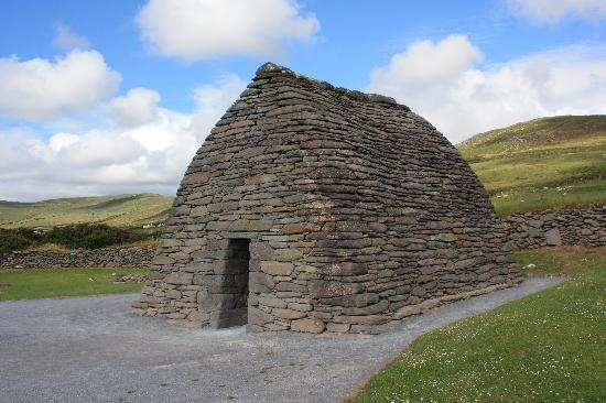Ireland: co. Kerry - Dingle Peninsula - Gallarus Oratory