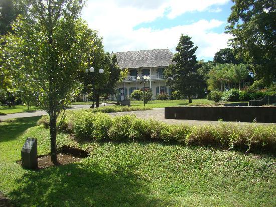 SSR Botanic Garden: Colonial house Pamplemousse garden