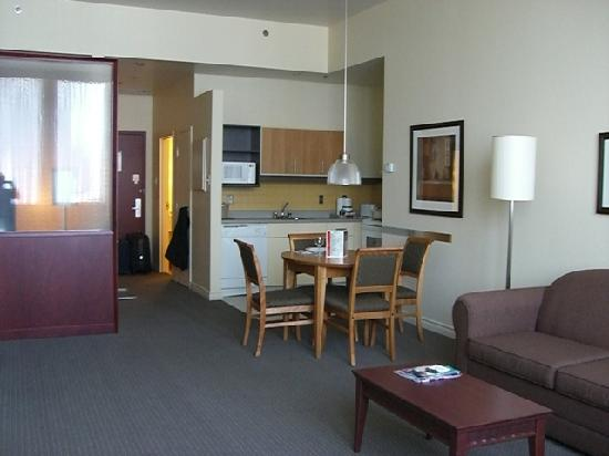 Le Square Phillips Hotel & Suites : Overall picture of the room