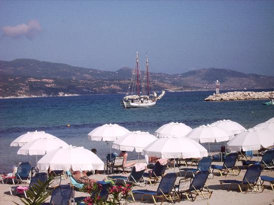 Plessas Palace Hotel: Beach