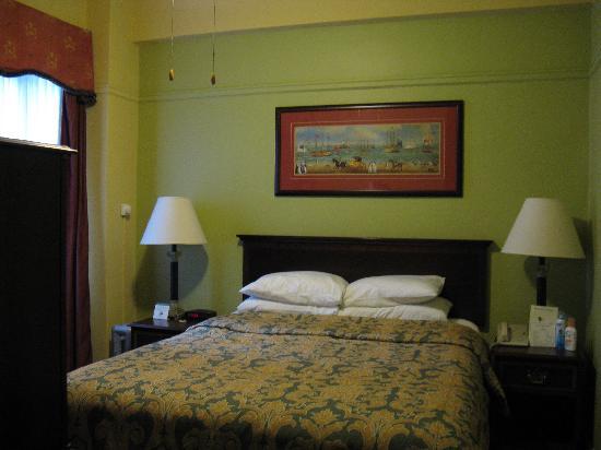 King George Hotel: Bedroom view