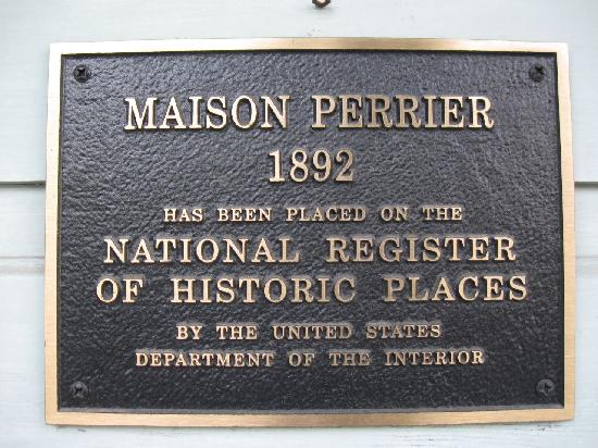 Maison Perrier: Front Placard