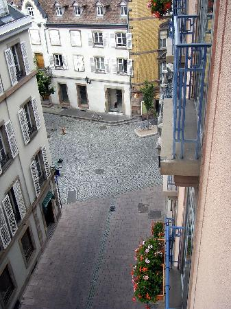 Maison Rouge Hôtel : another view from window