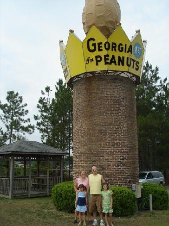 World's Largest Peanut : Family memories