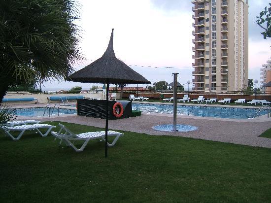 AR Galetamar: Garden with pools