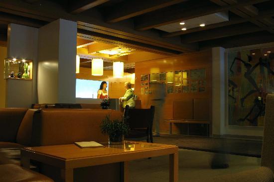Theresia Gartenhotel : Hotel reception area.