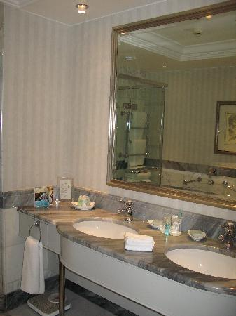 Hotel Kamp: Bathroom 1
