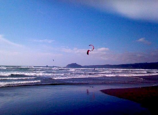 Arcata, CA: Clam Beach Kite Boarding