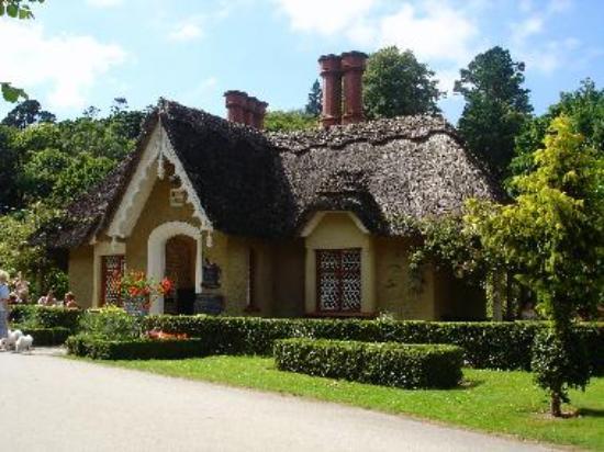 Deenagh Gate Lodge, Knockreer Estate, Killarney