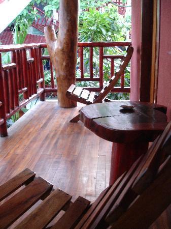 Tico Adventure Lodge: Balcony of air-conditioned room