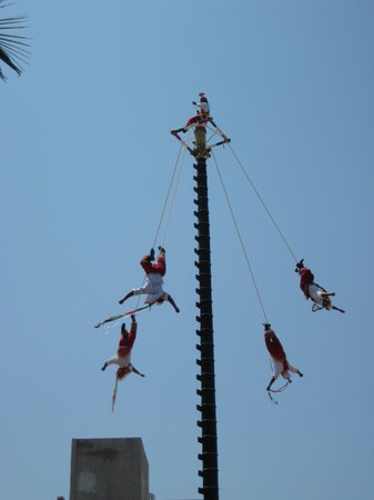 Mazatlan highlights and Papantla Flyer Tour