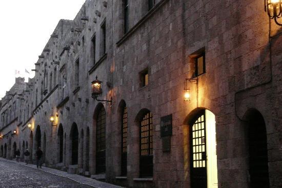 Rhodes, Greece: calle de los caballeros