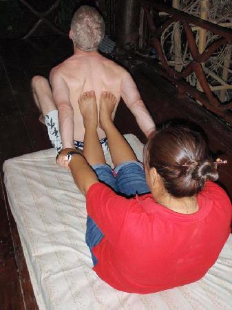 Romyen Garden Resort: in house massage