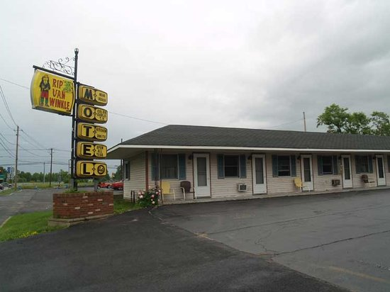 Plattsburgh, NY: View of motel