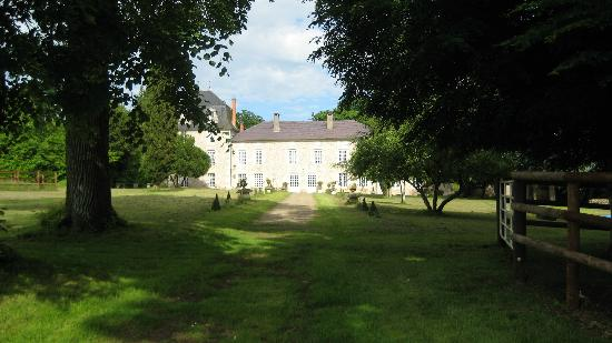 Chateau Sainte Catherine: original pre-war driveway