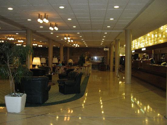 Danubius Hotel Flamenco - Budapest : Half the lobby